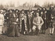 Noc na Karlštejně 1932 -  ? , Alouš Hampl, Alexandr Hampl, Jansová, Marie Holečková, Otomar Macháček, Zdenka Mertová, Josef Fišar, Cyril Dušek;  Jan Fišar, Vilém Malý